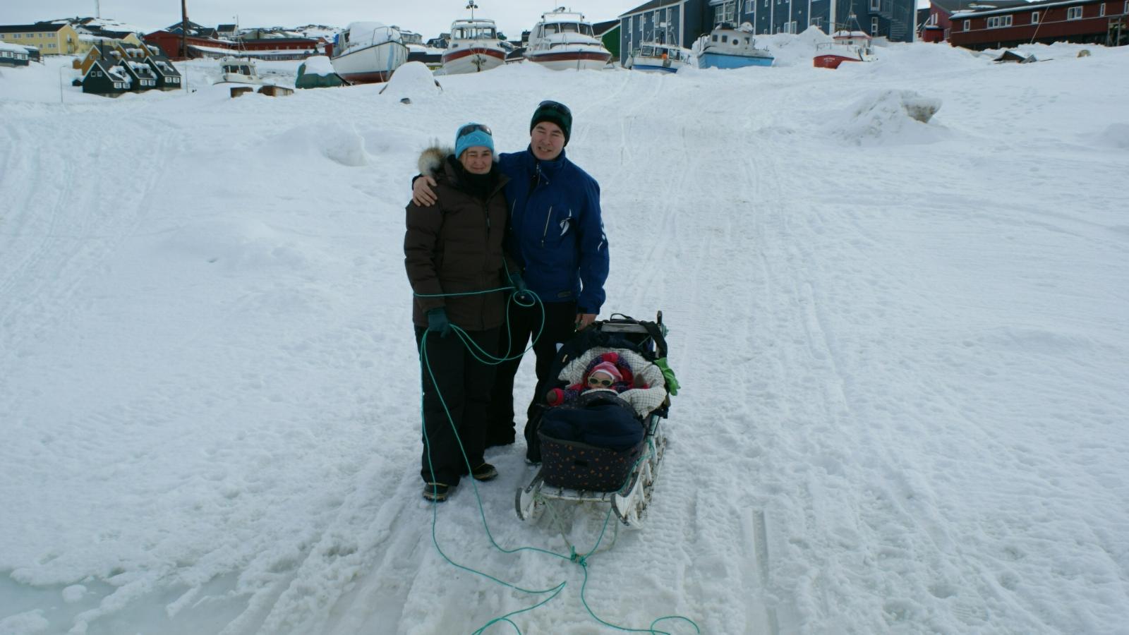 2009-04-05-1406_-_Jesper Eugenius Labansen; Maritha Eugenius Labansen; Qupanuk Eugenius Labansen