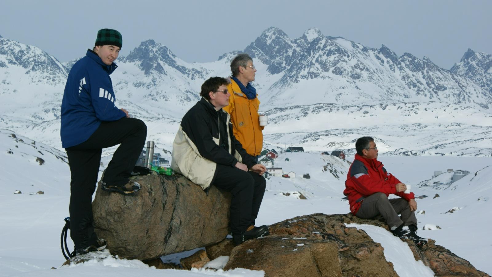 2009-04-06-1554_-_Jesper Eugenius Labansen; Jørgen Labansen; Qupanuk Eugenius Labansen; Ruth Labansen; Søren Labansen