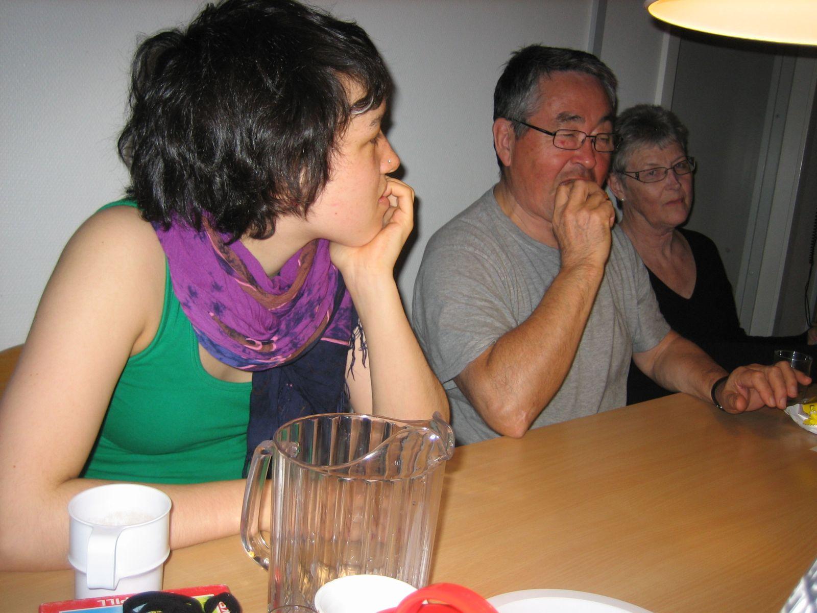 2009-04-04-2304_-_Ivalo Lynge Labansen; Ruth Labansen