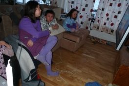 Julia, Richard, Bea og Alma på besøg