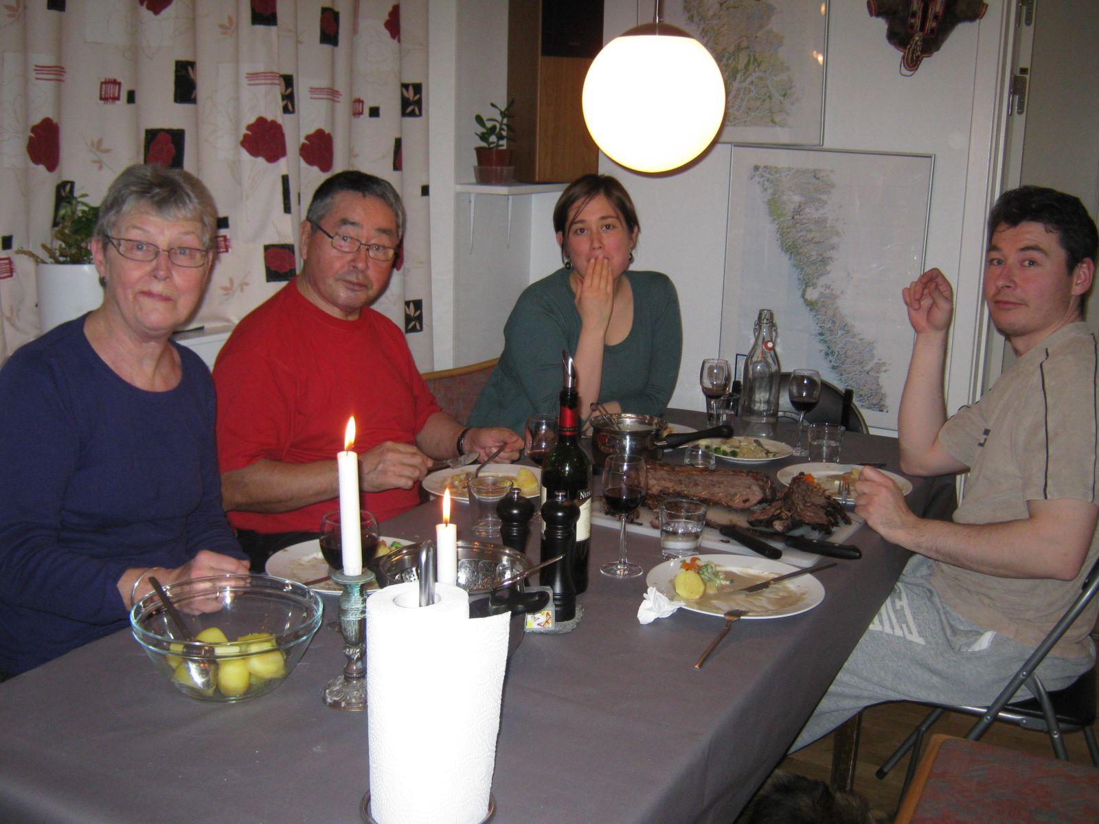 2009-12-12-1835_Jesper Eugenius Labansen; Jørgen Labansen; Maritha Eugenius Labansen; Ruth Labansen