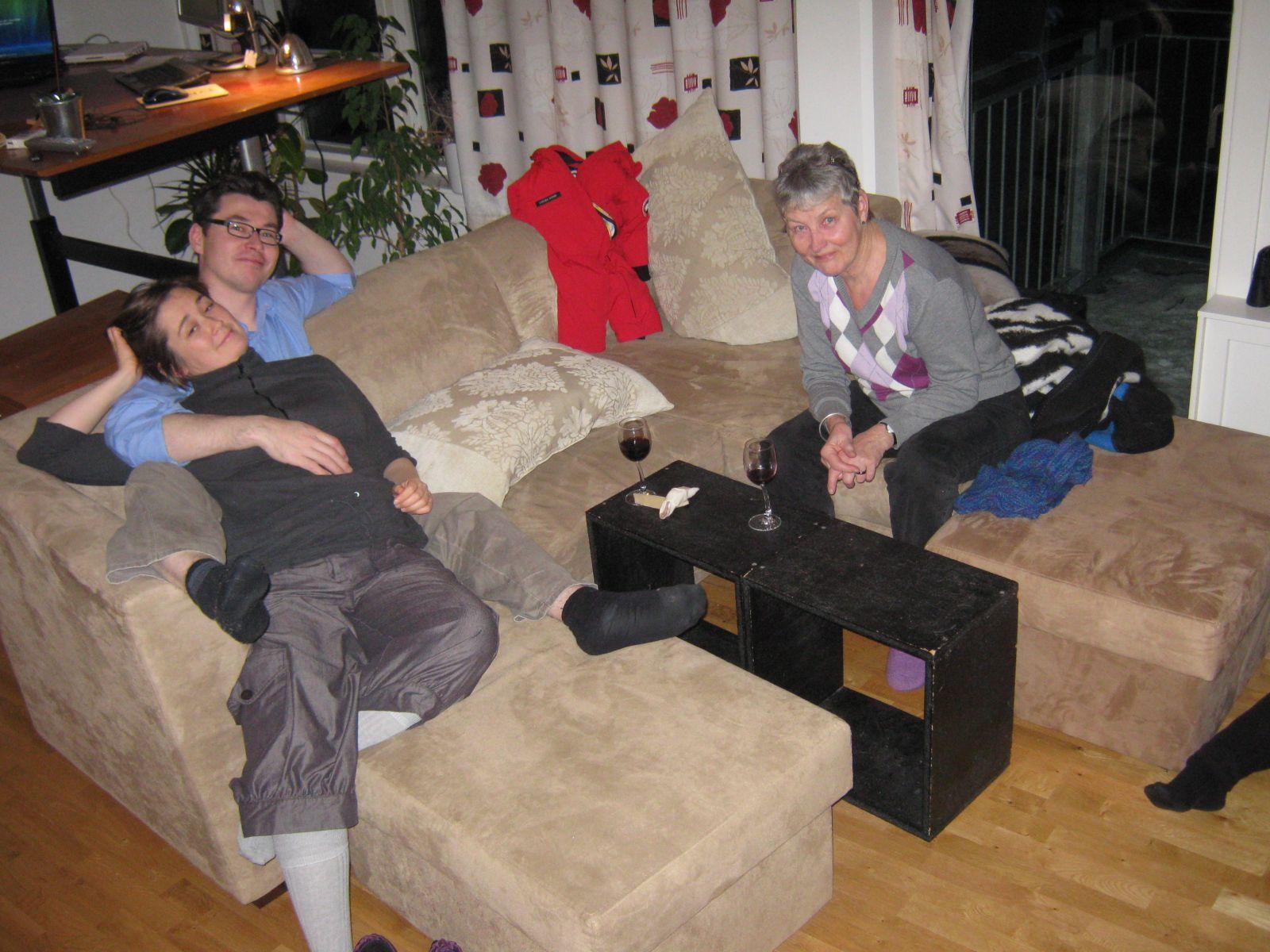 2009-12-16-1836_Jesper Eugenius Labansen; Maritha Eugenius Labansen; Ruth Labansen