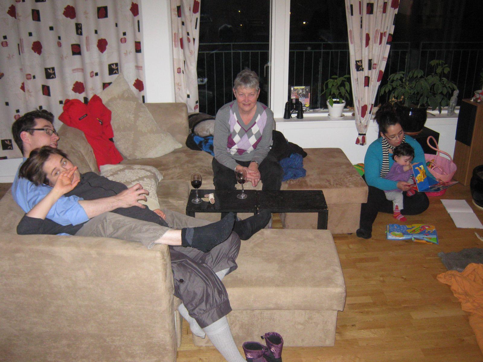 2009-12-16-1837_Jesper Eugenius Labansen; Maritha Eugenius Labansen; Ruth Labansen