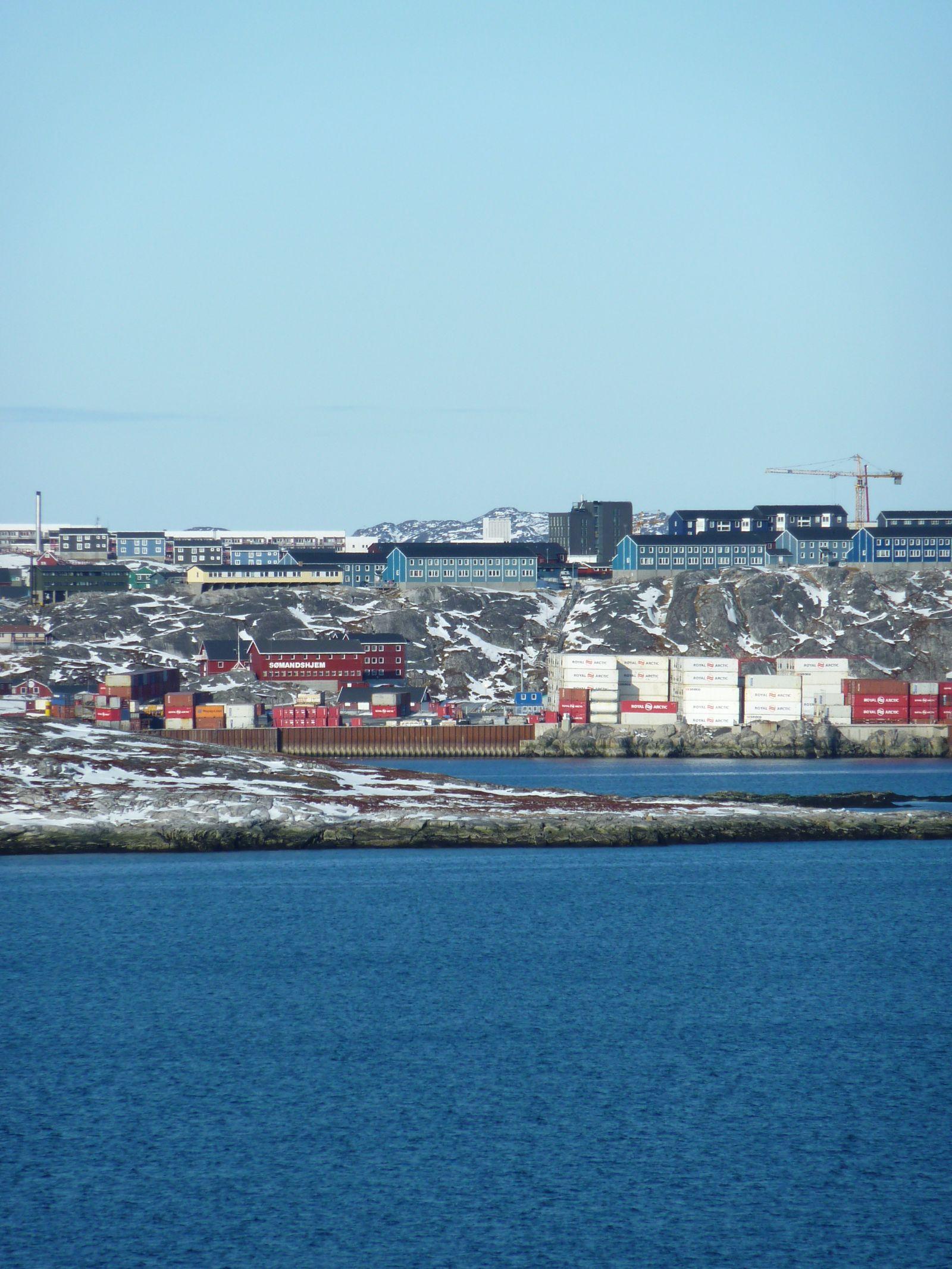 Nuuk havn set fra Qinnqorput