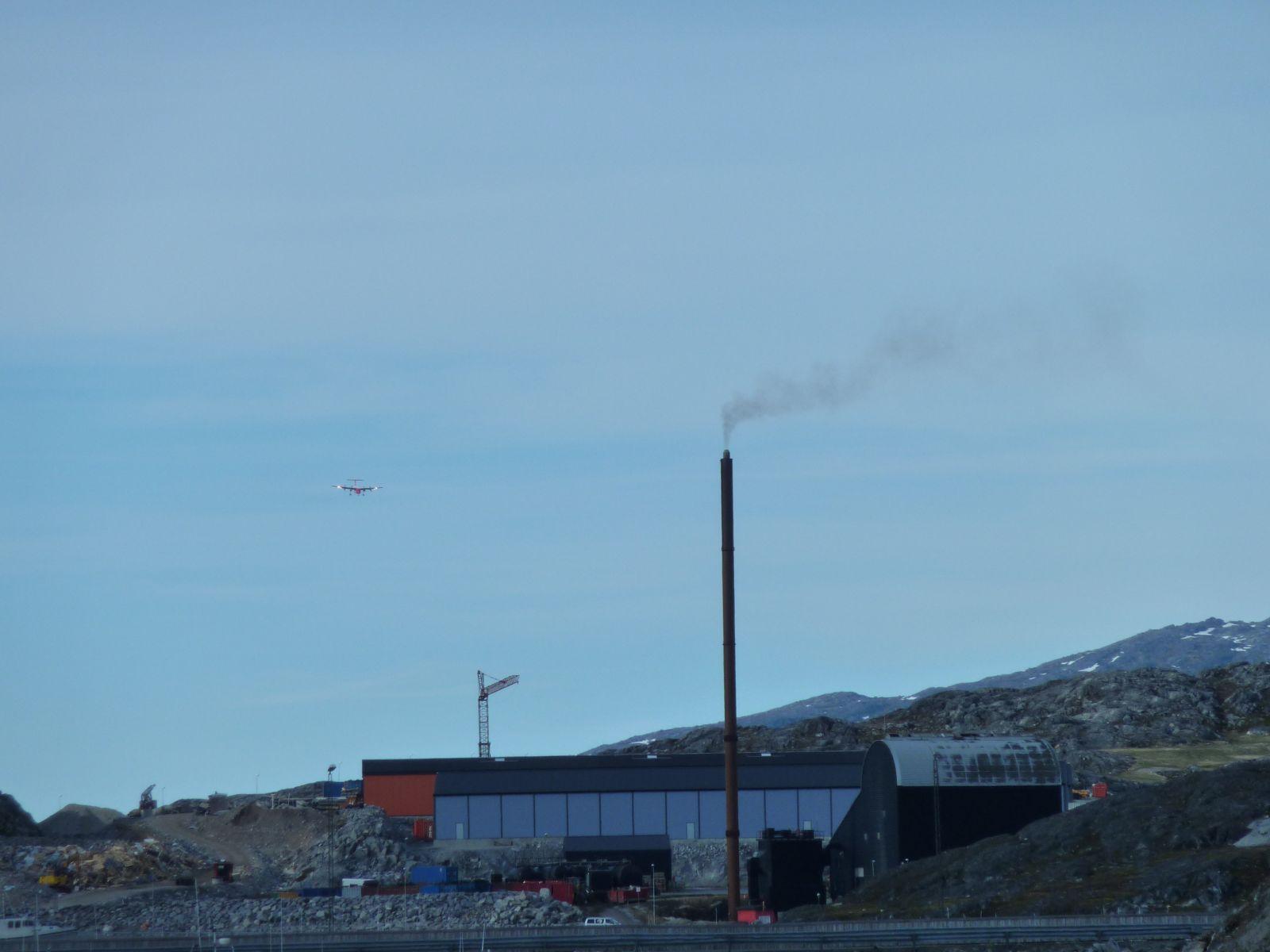 Dash8 ligger an til landing