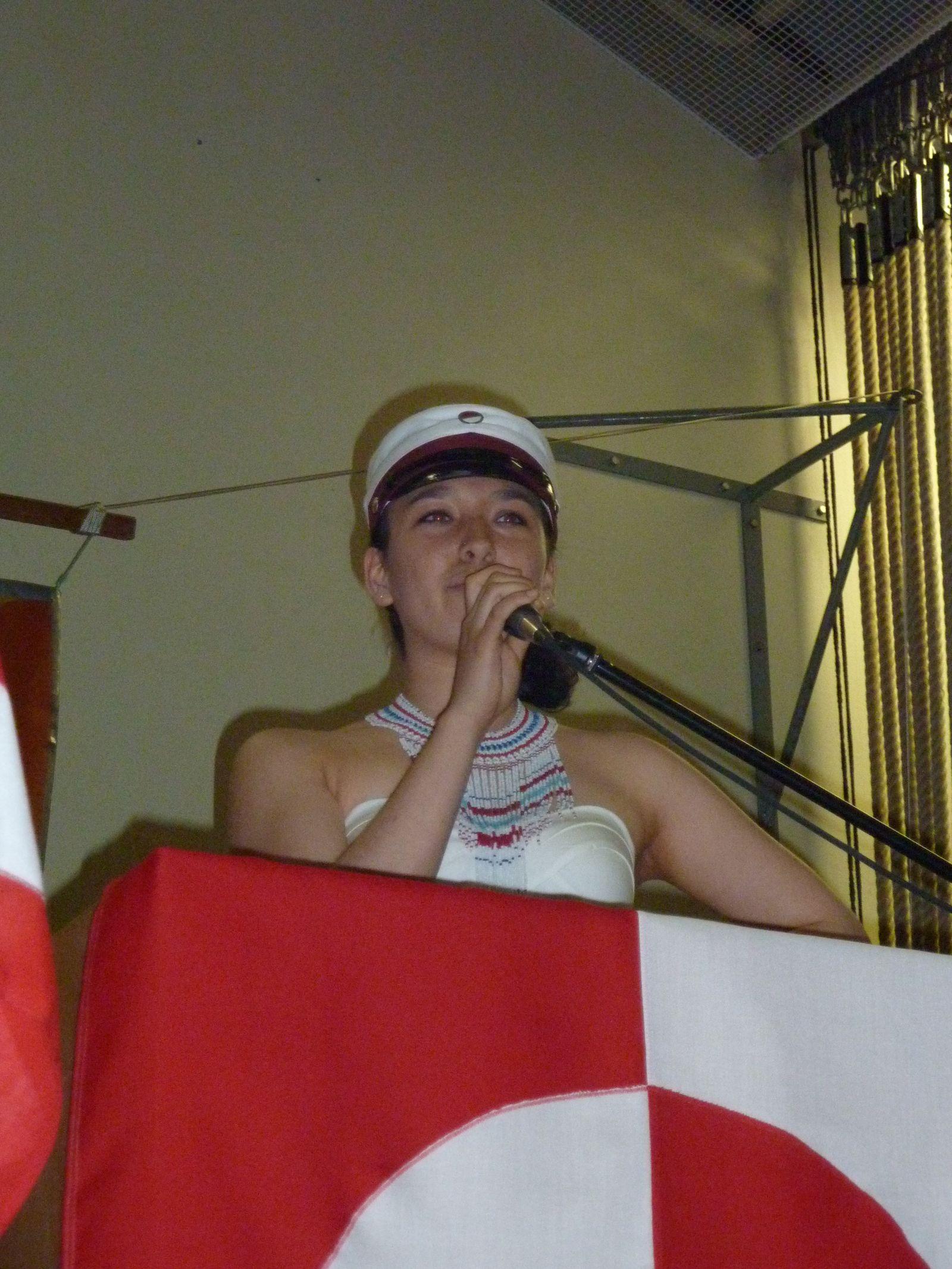Dimissionsfest i Nuuk Ivalo Lynge Labansen holder tale