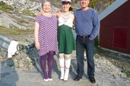 Dimissionsfest i Nuuk Mette Labansen, Peter Lynge Petersen og Ivalo Lynge Labansen