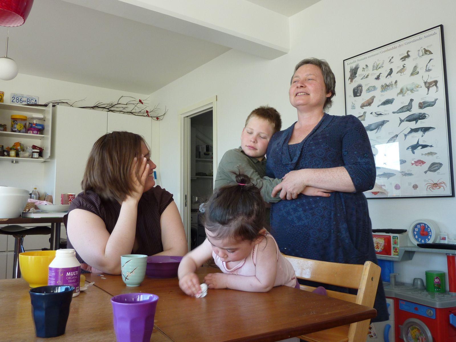 2010-07-07-2003_-_Maritha Eugenius Labansen; Mette Labansen; Qupanuk Eugenius Labansen; Rumle Labansen