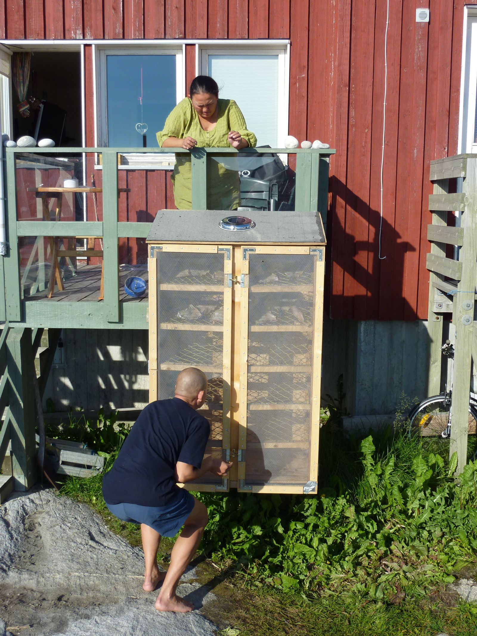 2010-08-16-1757_-_Maren Mikkelsen Lennert; Palle Hjort Sandgreen; Tørrekasse