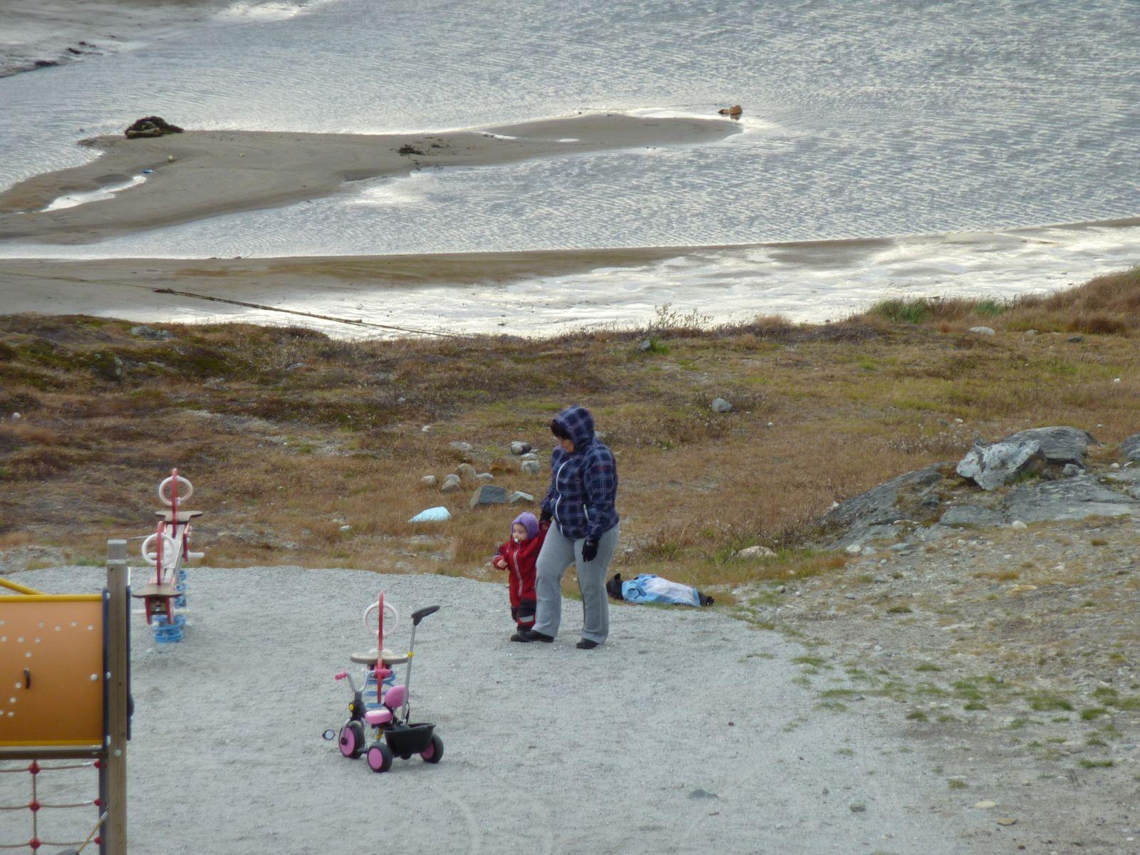 2010-10-09-1427_-_Johanne Eugenius; Qupanuk Eugenius Labansen