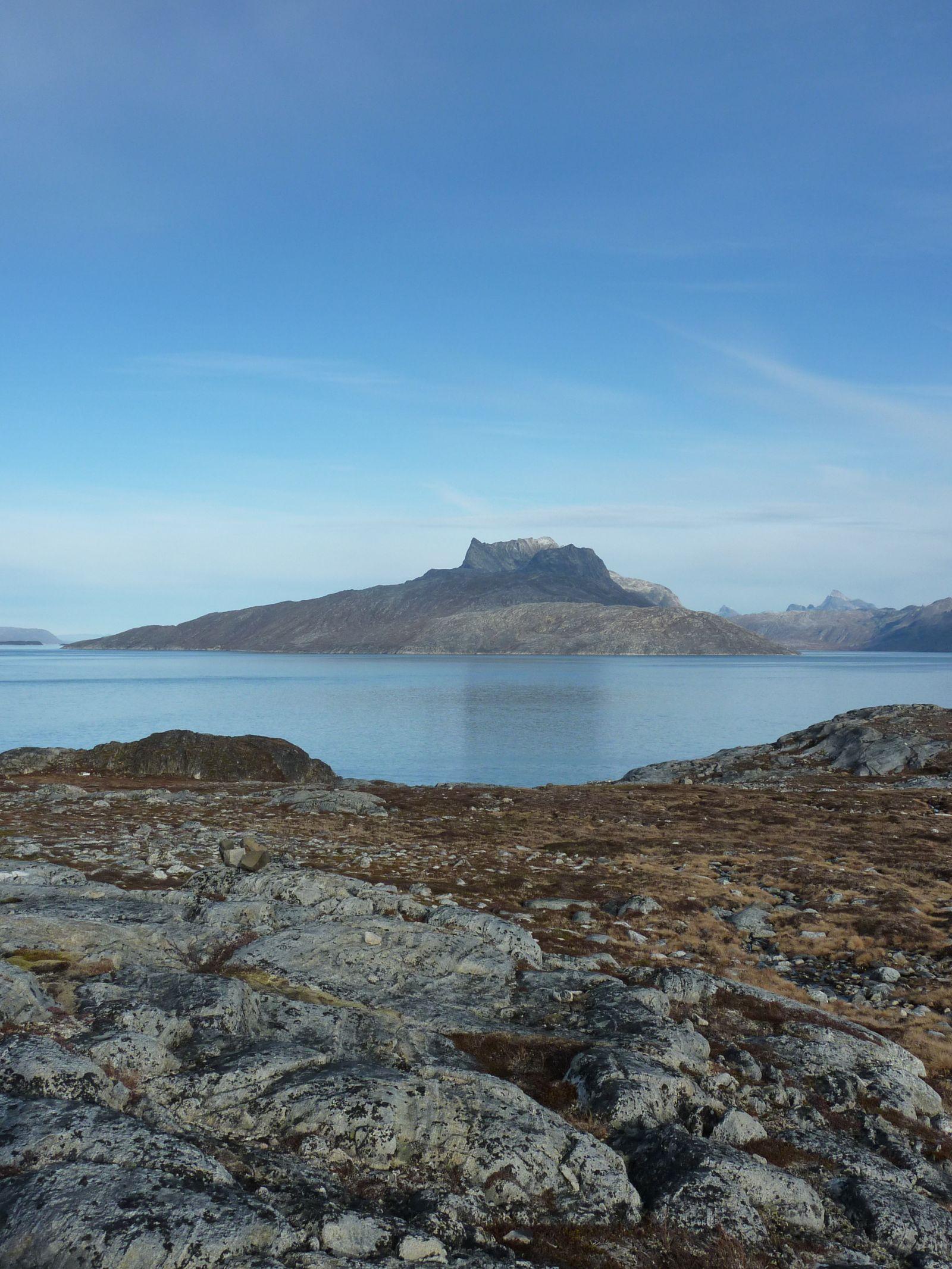 2010-10-12-1411_-_Sermitsiaq; Varde