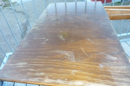 Aana og Aata's gamle spisebord