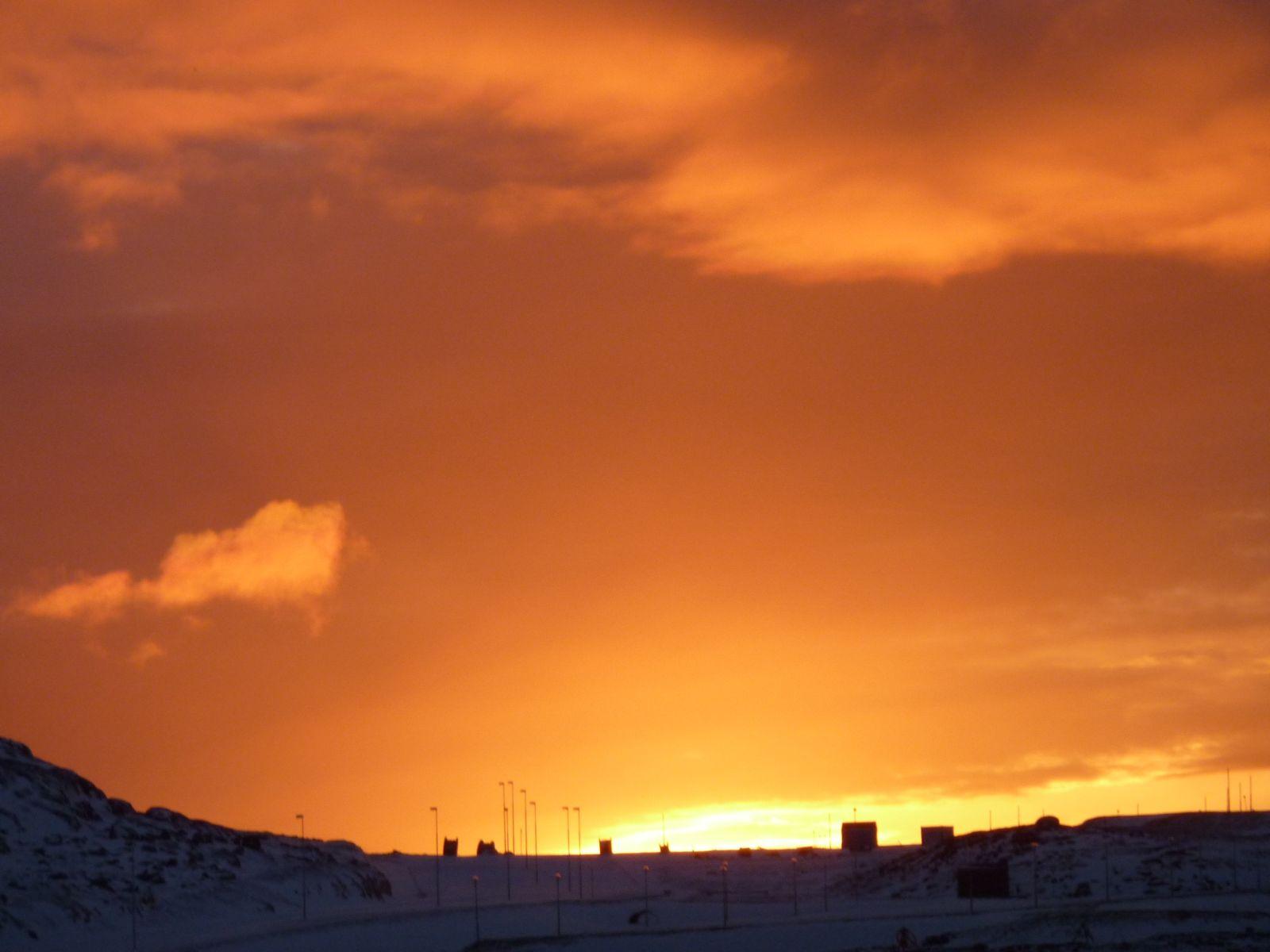 2010-12-11-1419_-_Pupik 4-102; Solnedgang; Udsigt fra altan