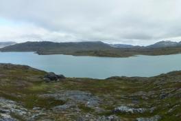 Panorama over indsøen og terræn ved Tasiussarssuaq