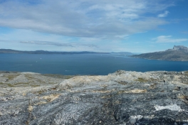 2010-07-28-1241_-_Panorama; Sermitsiaq; Terræn