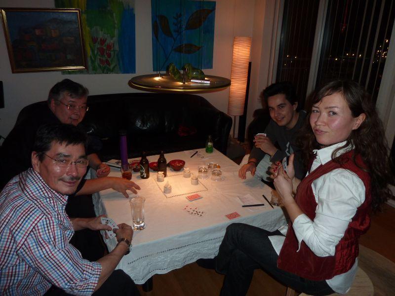 2011-01-02-1726_aili_lage_labansen_hans_labansen_martin_labansen_simon_moqqu_loevstroem_worms_2
