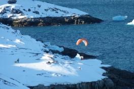 2011-02-20-1445_paraglider_2