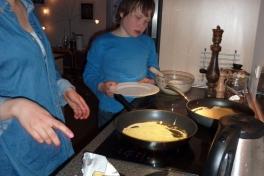 2011-04-24-2040_ivalo_lynge_labansen_mad_pandekager_rumle_labansen_2