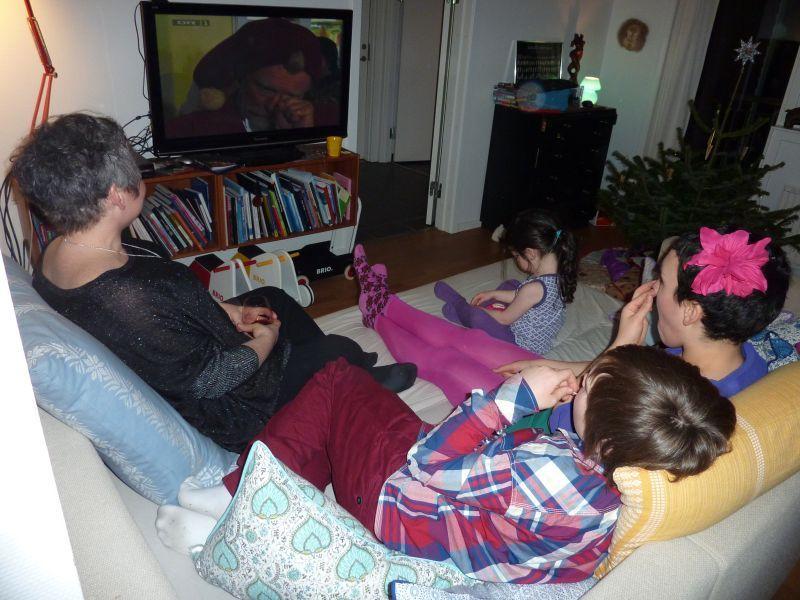 2011-12-24-1942_-_ivalo_lynge_labansen_mette_labansen_qupanuk_eugenius_labansen_rumle_labansen