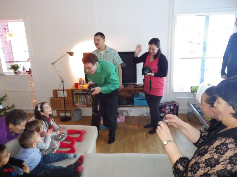 2012-12-24-1500_-_hans-jakob_aqqaluk_platou_jesper_eugenius_labansen_naduk_steenholdt_qupanuk_eugenius_labansen