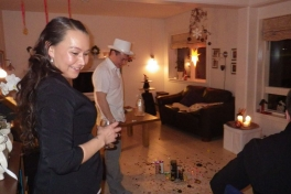 2012-12-31-2354_-_john_telling_karina_klausen