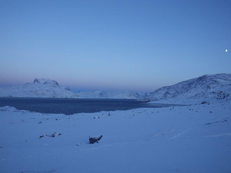 2012-12-22-1819_-_maanen_sermitsiaq