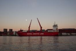 2013-10-20-1137_-_gode_1_maanen_naja_arctica_ral-skib