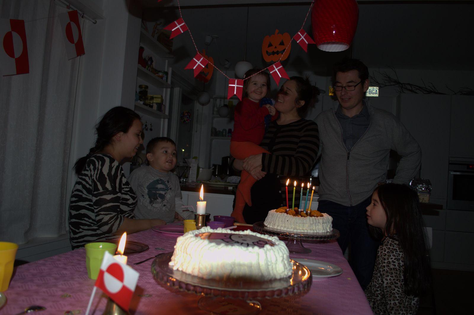 2013-11-12-1945_qupanuk_s_foedselsdag_elias_gode_1_jesper_eugenius_labansen_maritha_eugenius_labansen_naduk_steenholdt_qupanuk_eugen