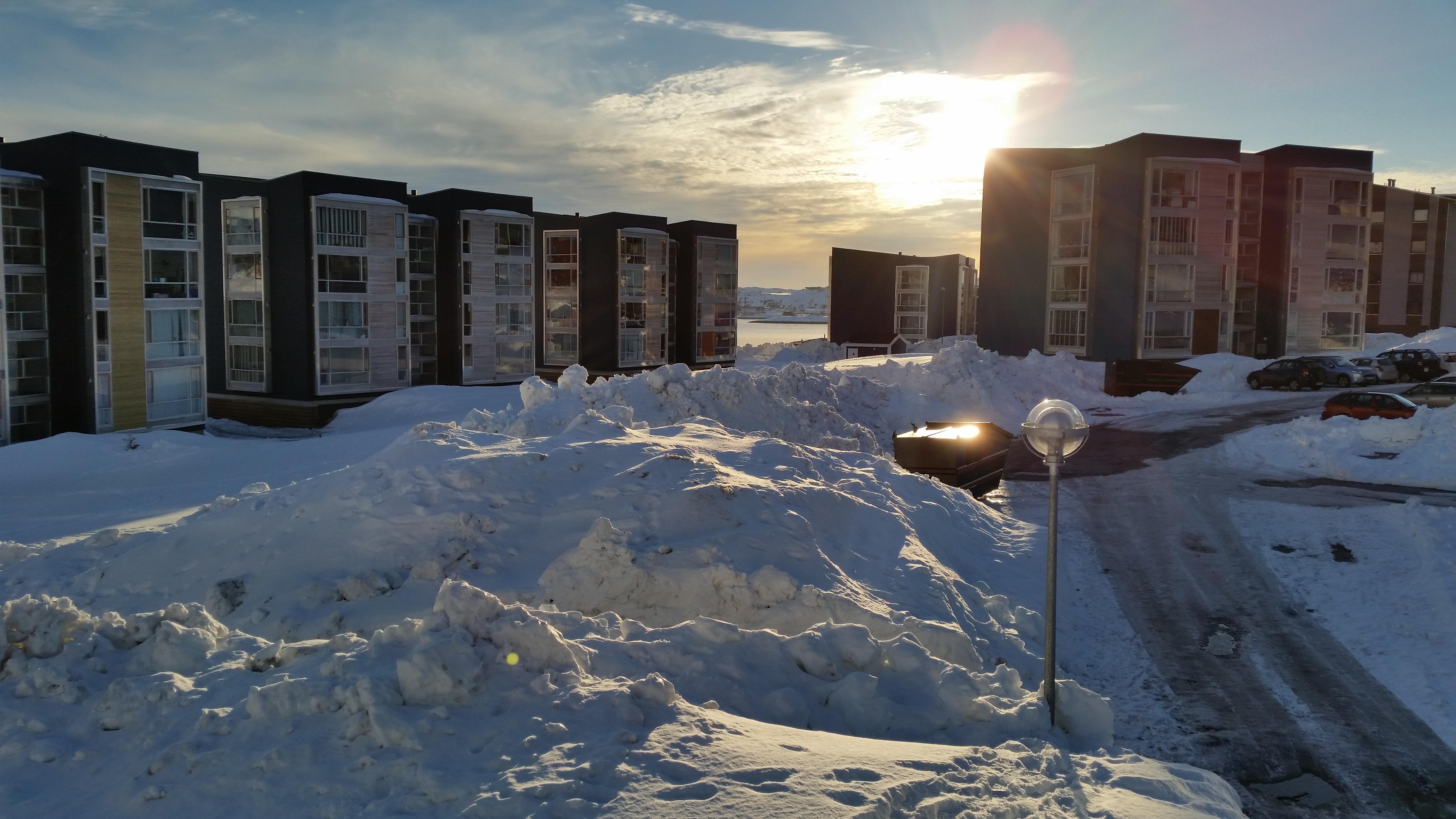 Sne og sol i Qinnqorput