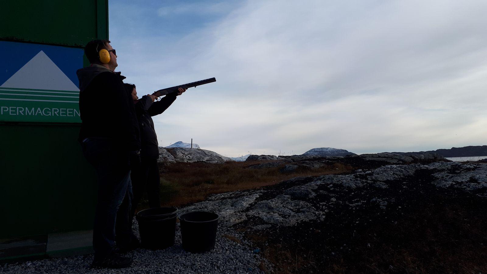 Tuttumik - Nukissiorfiit dag på skydebanen