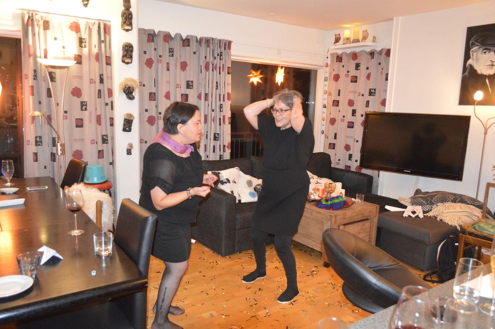 2020-01-01-0218_Anna-Hessler-Labansen-Juliane-Burmeister