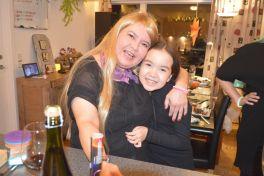 2019-12-31-2136_Anna-Hessler-Labansen-Linda-Louise-Hessler-Isbosethsen